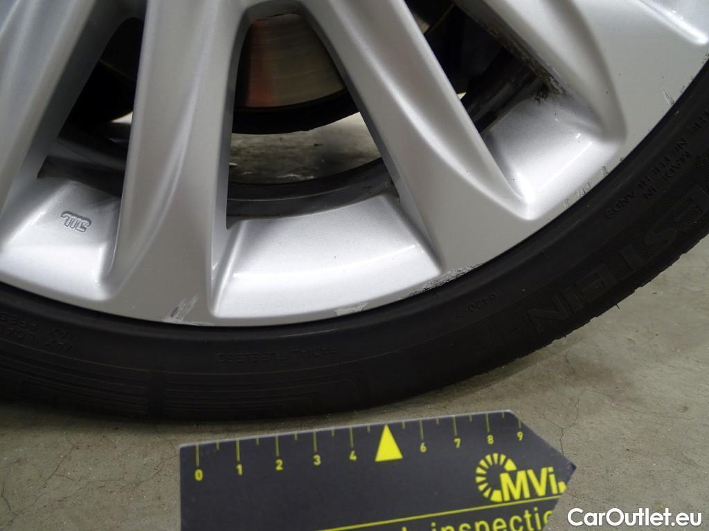 Lexus  CT  #15