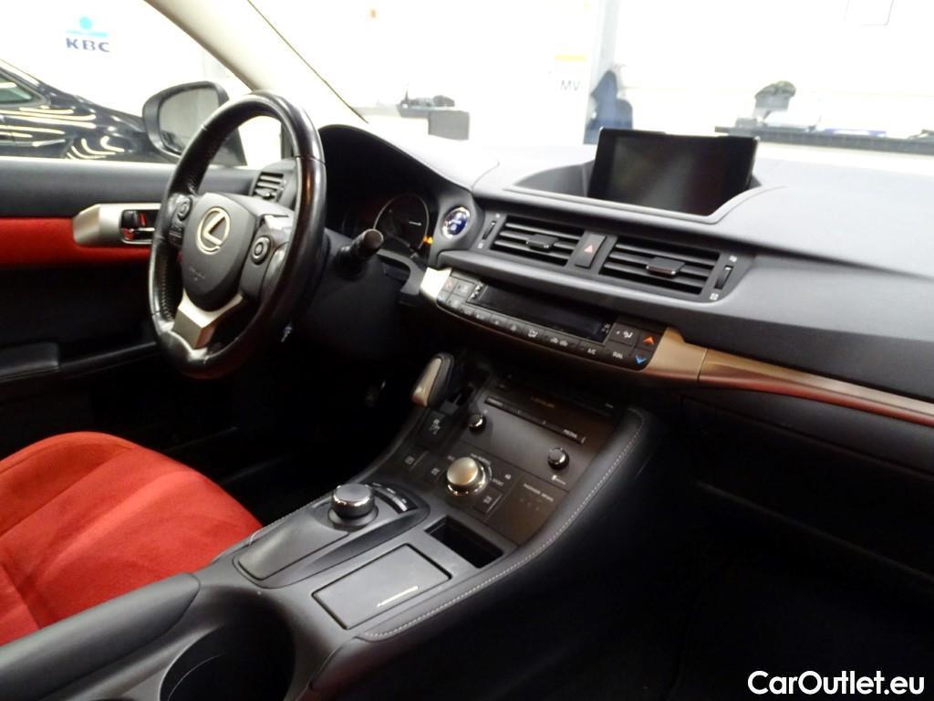 Lexus  CT  #3