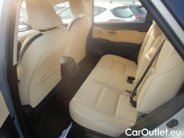 Lexus  NX 300h Executive 4wd #31