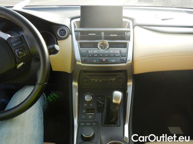 Lexus  NX 300h Executive 4wd #10